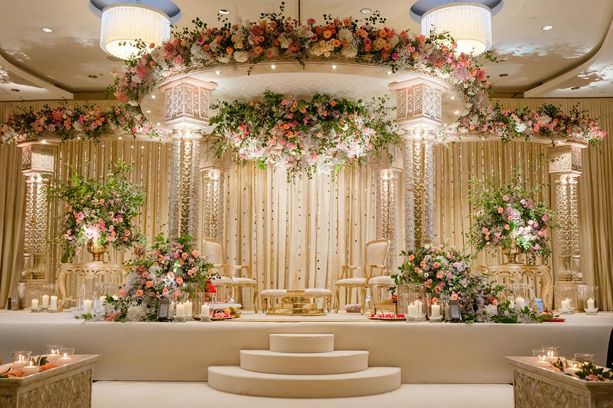 Shreya Palace Mandap with Ceiling Halo - Enchanting Theme